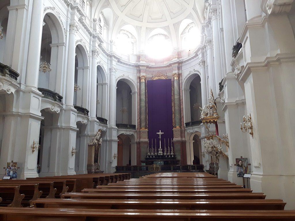 Hofkirche innen